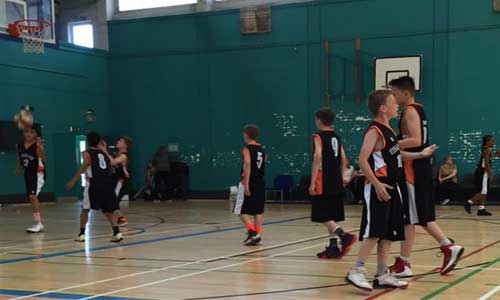 u12s at leeds force warming up