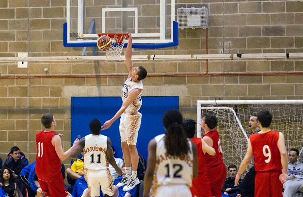 elliott-sentance-dunk-gateway-college-basketball